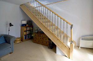 lépcső a tetőtérbe