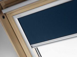Fényzáró roló tetőtéri ablakra